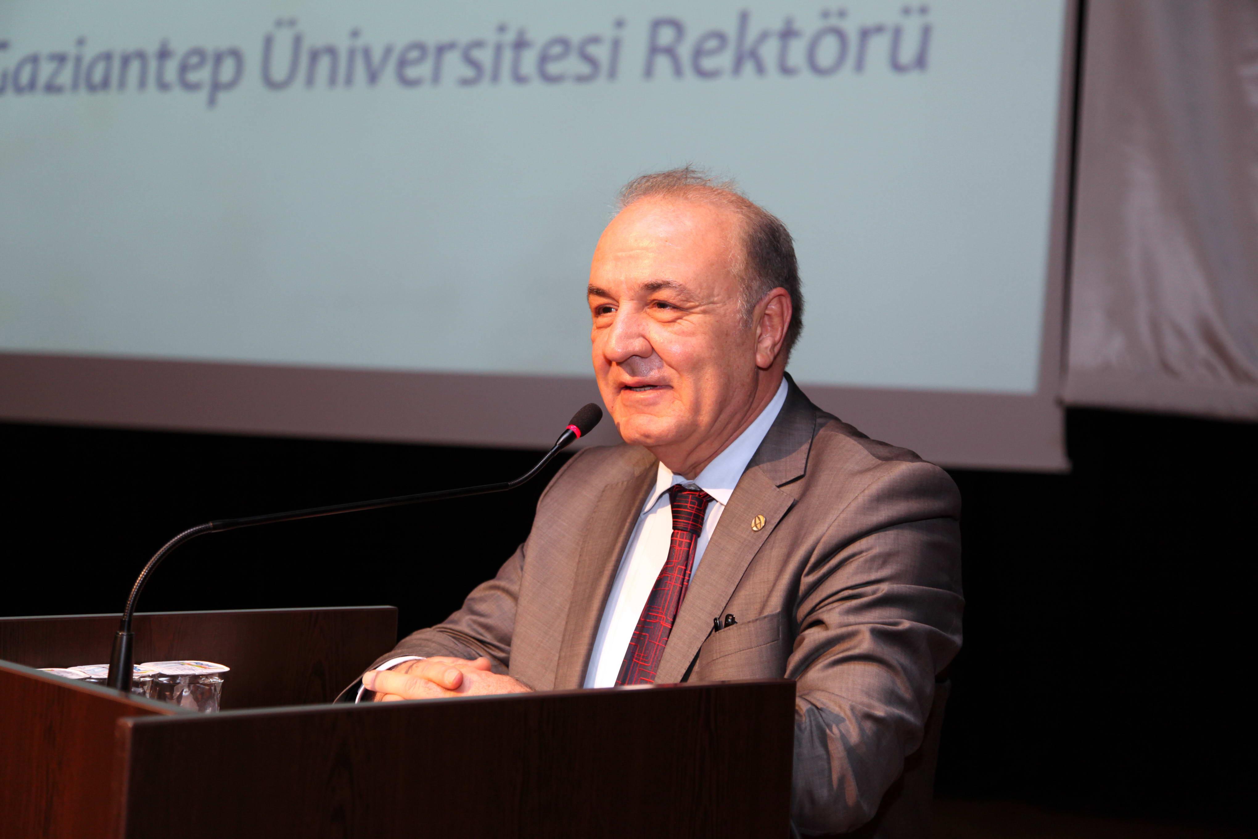 226-İLAHİYAT SEMPOZYUM (Prof. Dr. M. Yavuz Coşkun)