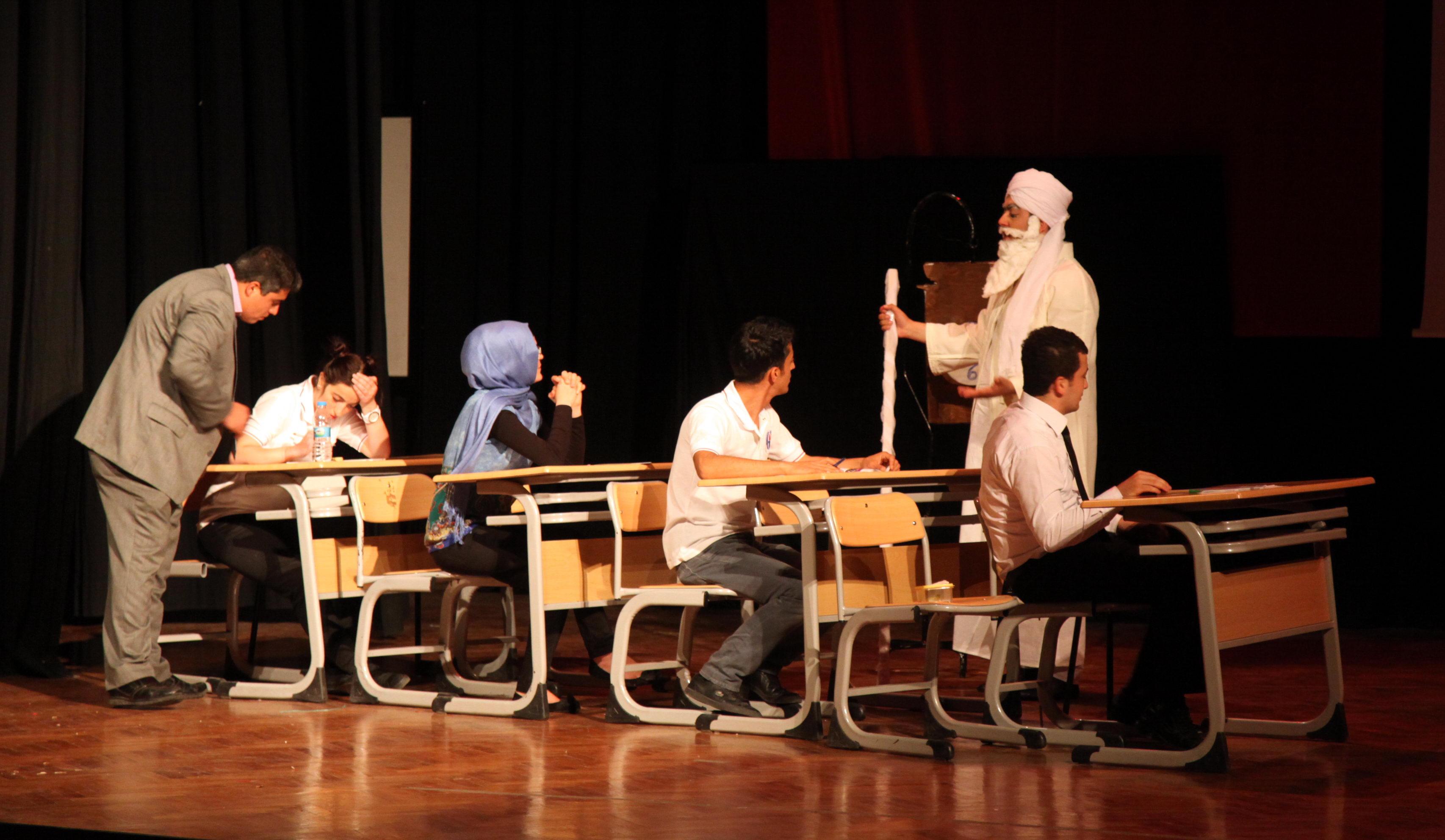 286-Tiyatro Oyunu (1)