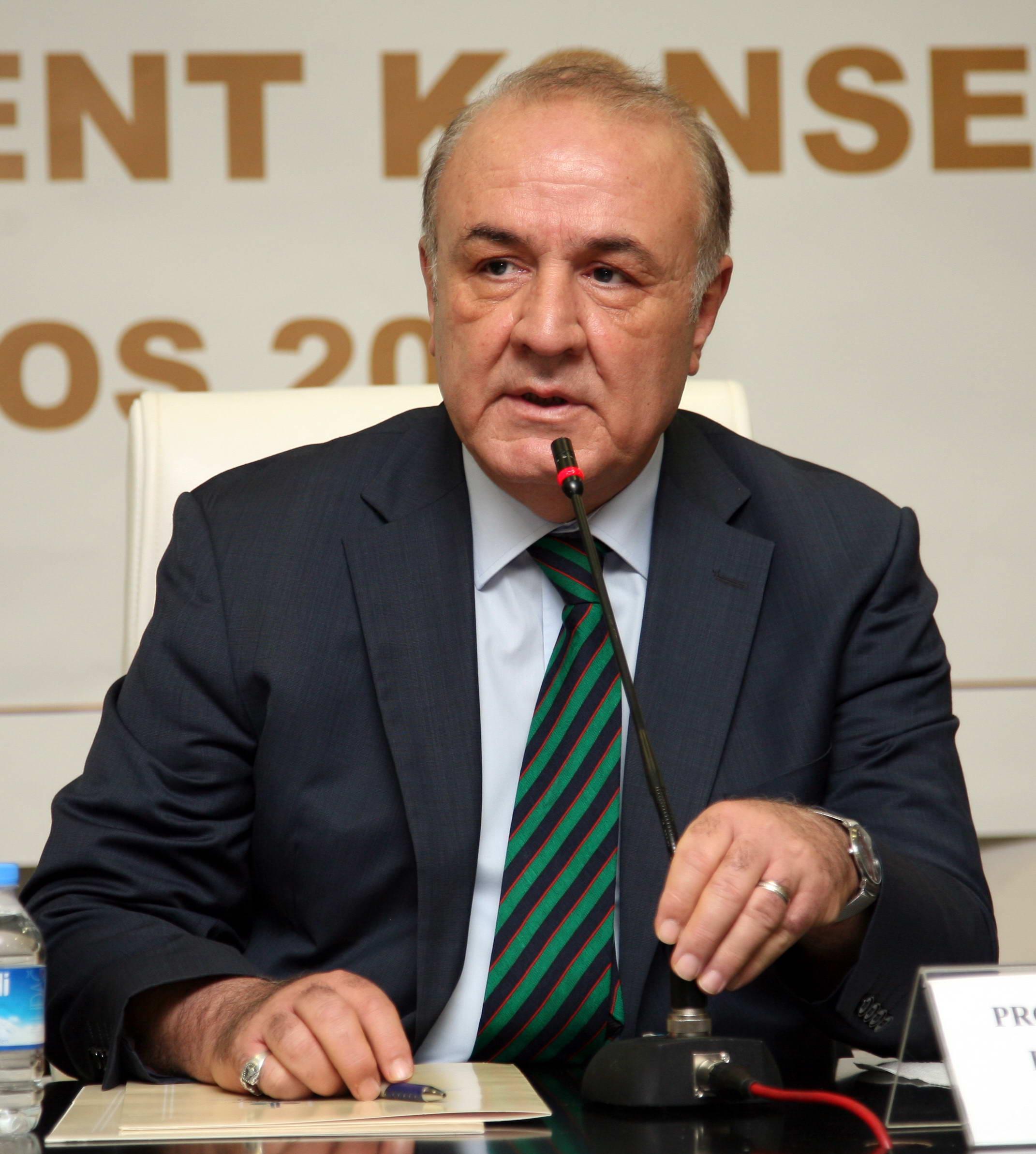 Rektör Coşkun'dan Onkoloji Hastanesi Açıklaması