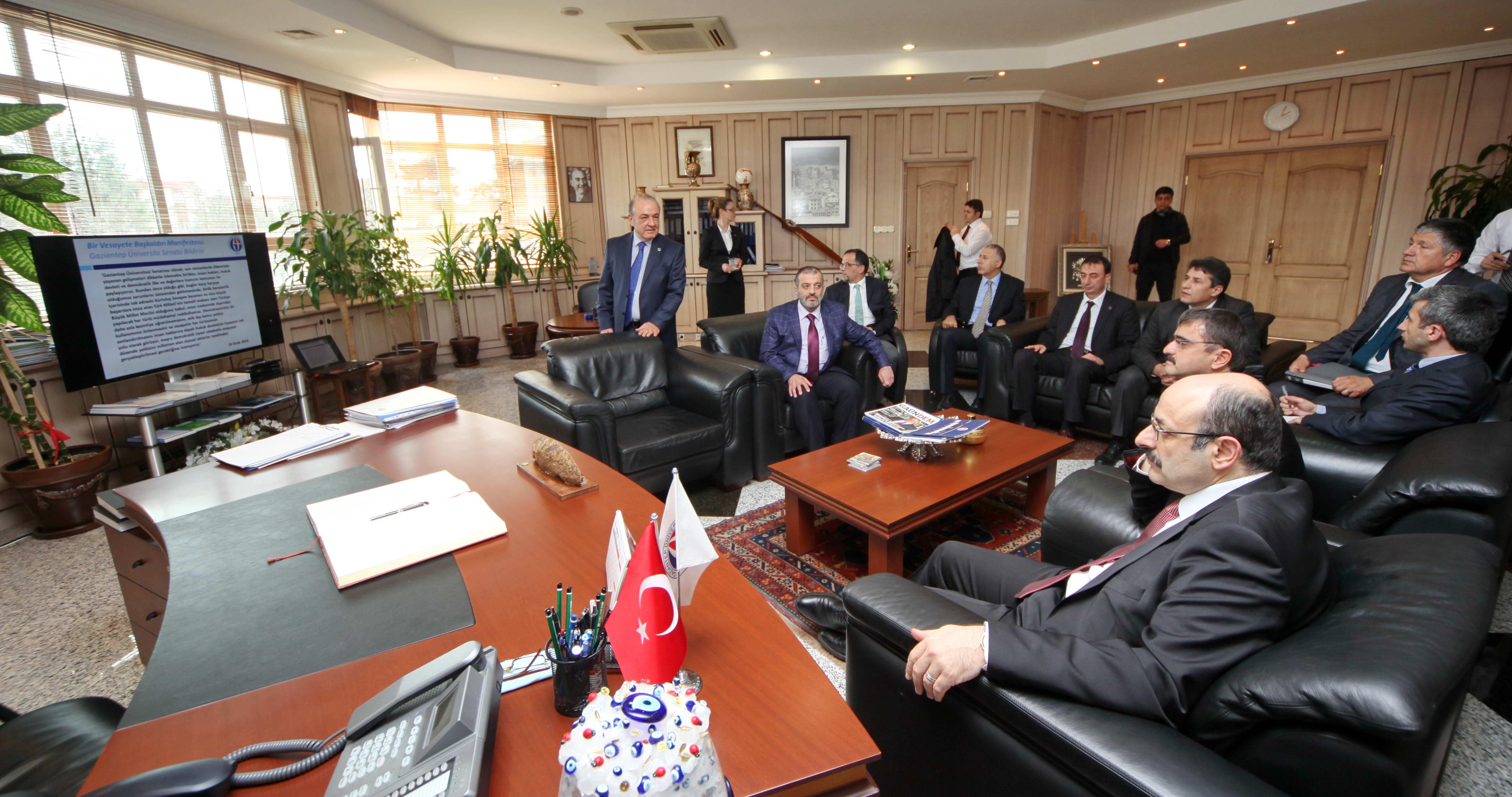 YÖK Başkanı Saraç Gaziantep Üniversitesi Türkiye'nin tarihi sorumluluğunu ifa etmede büyük bir misyon üstlendi (1)