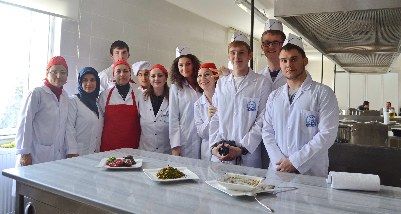 Yabancı Öğrenciler - Yemek  (2)