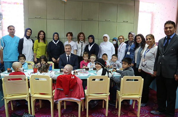 Tahmazoğlu Onkoloji Hastanesi'ni Ziyaret Etti (1)