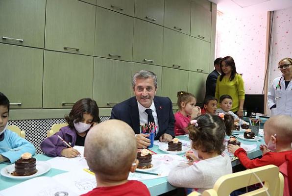 Tahmazoğlu Onkoloji Hastanesi'ni Ziyaret Etti (2)
