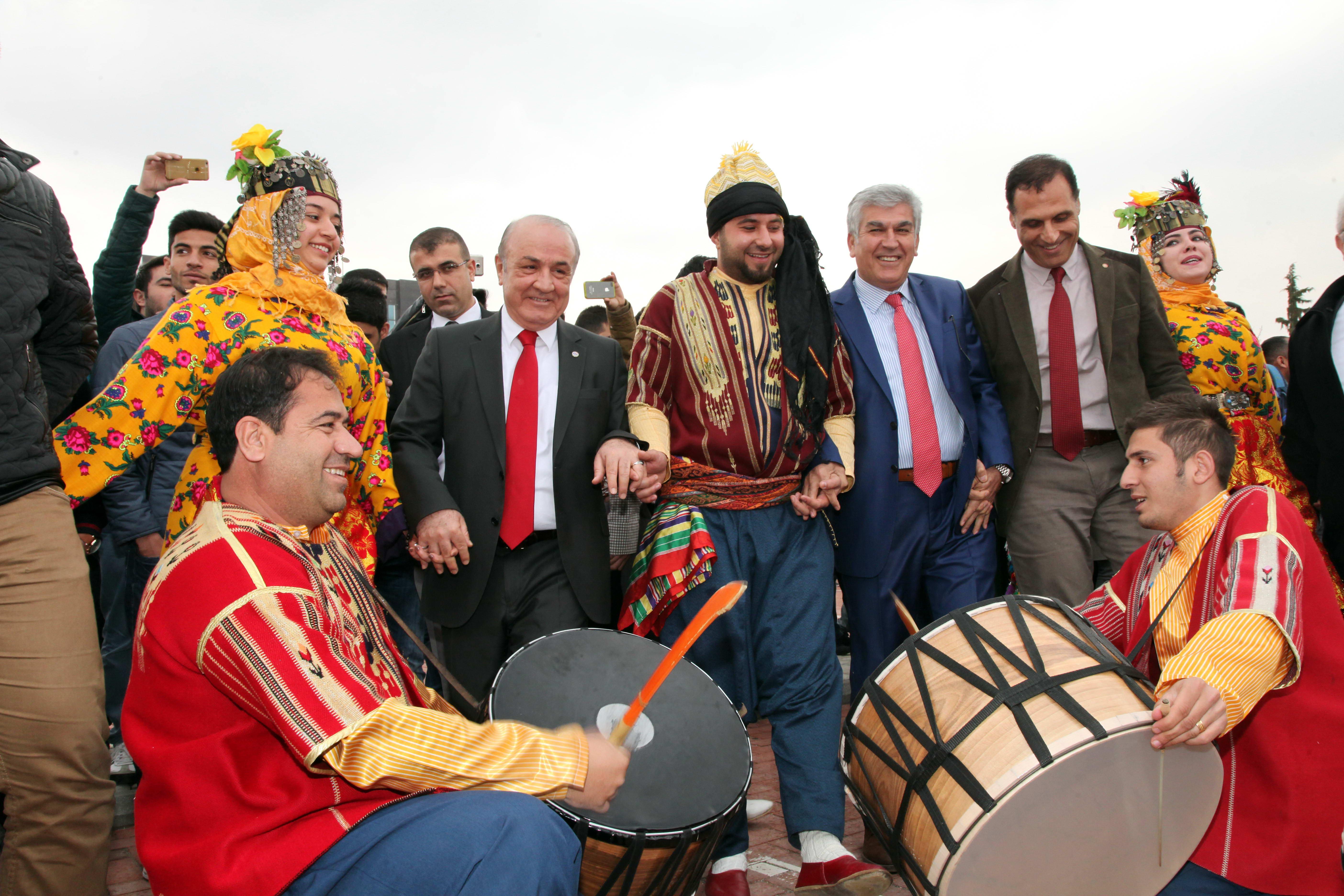 Gaziantep Üniversitesi'nde 'Renkli' Nevruz (6)