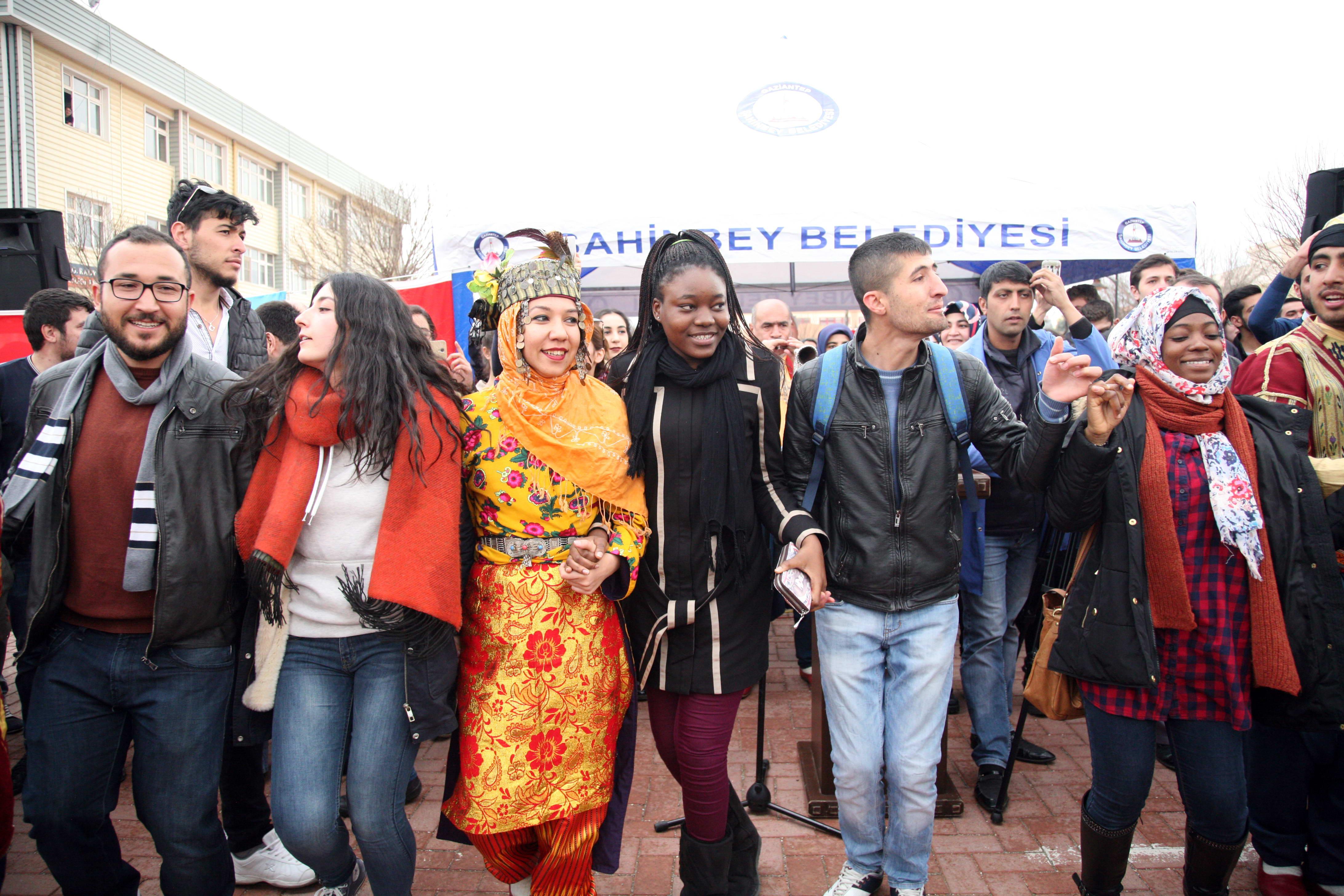Gaziantep Üniversitesi'nde 'Renkli' Nevruz (8)