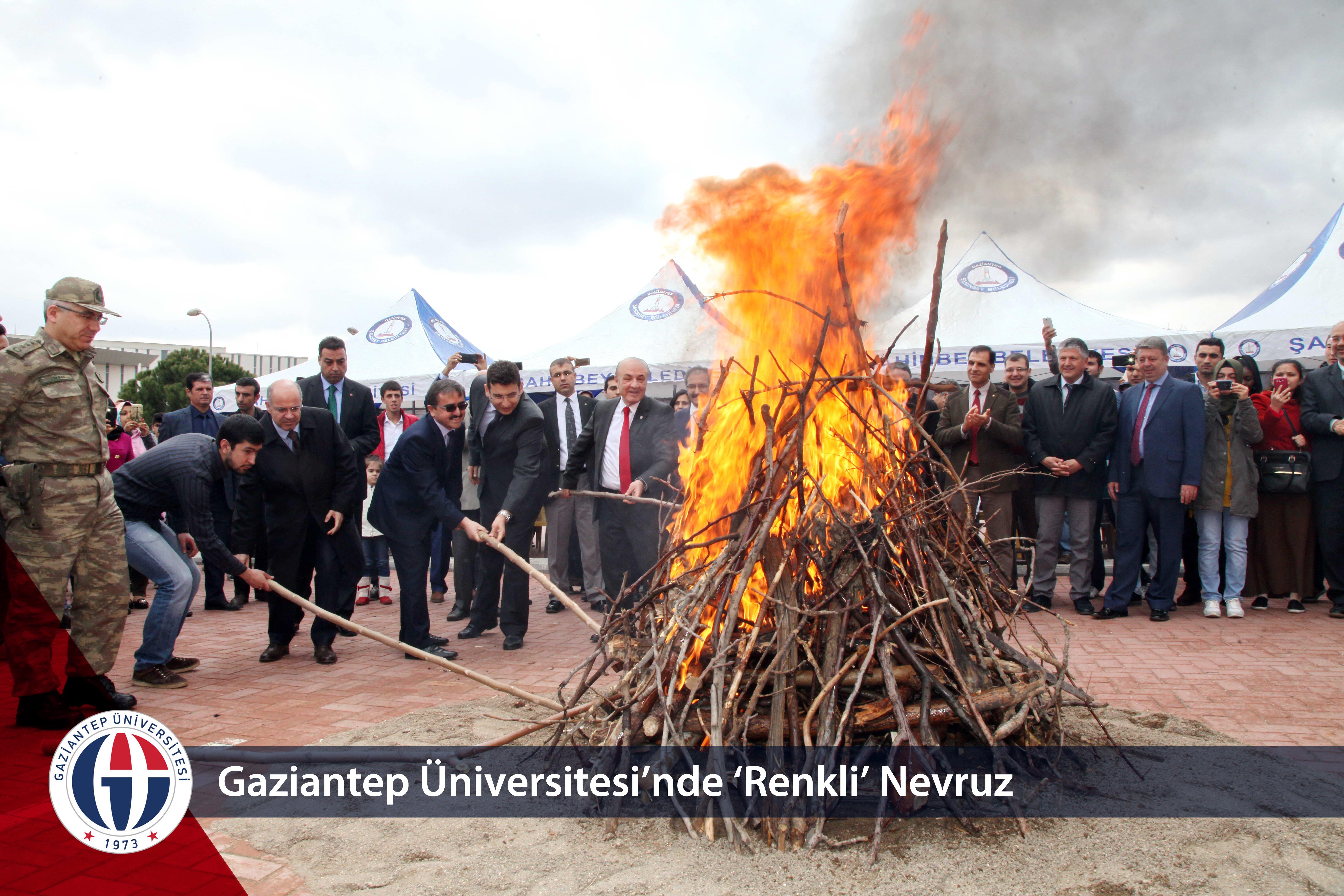 Gaziantep Üniversitesi'nde 'Renkli' Nevruz_