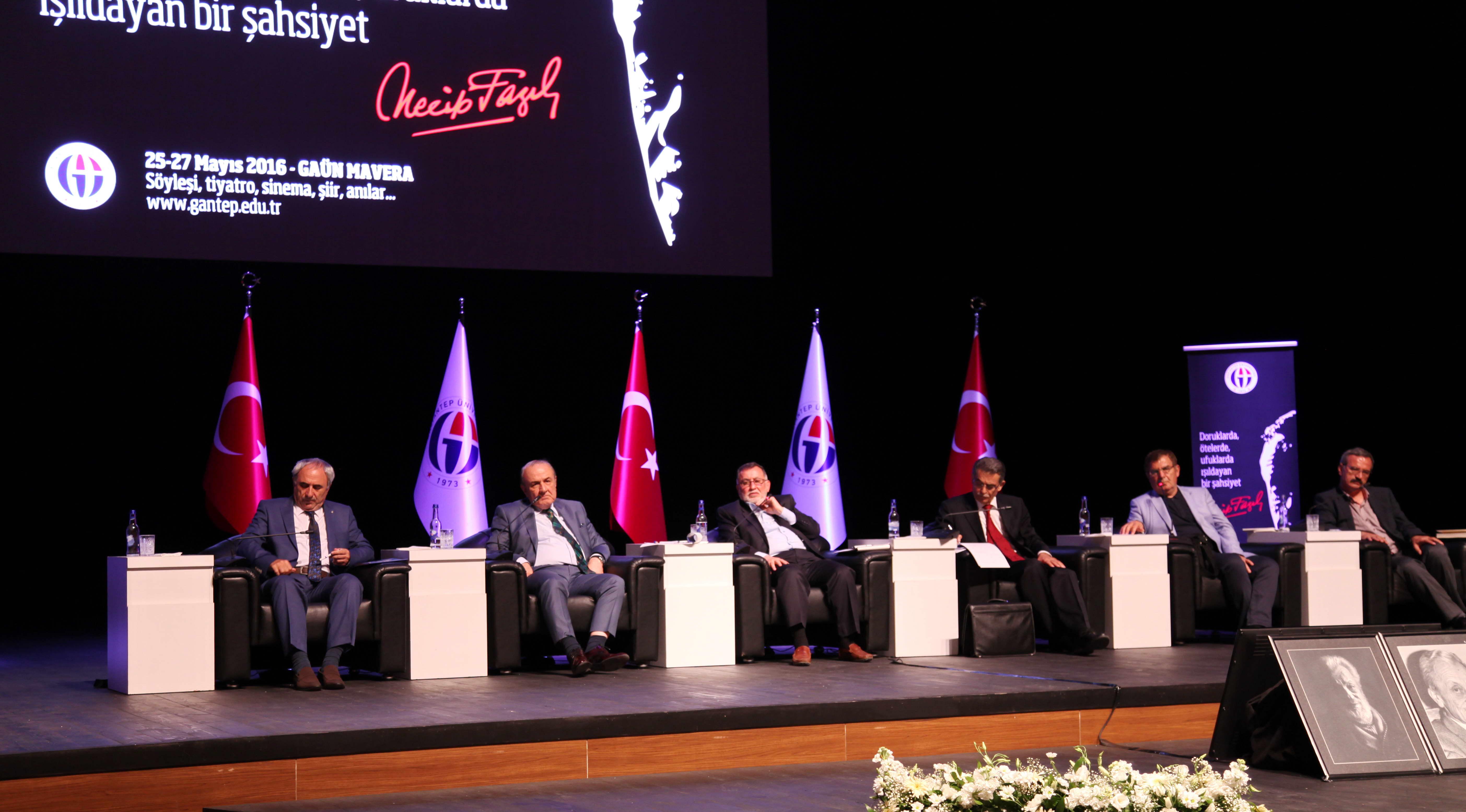 Gaziantep Üniversitesi'nde Necip Fazıl günleri (1)