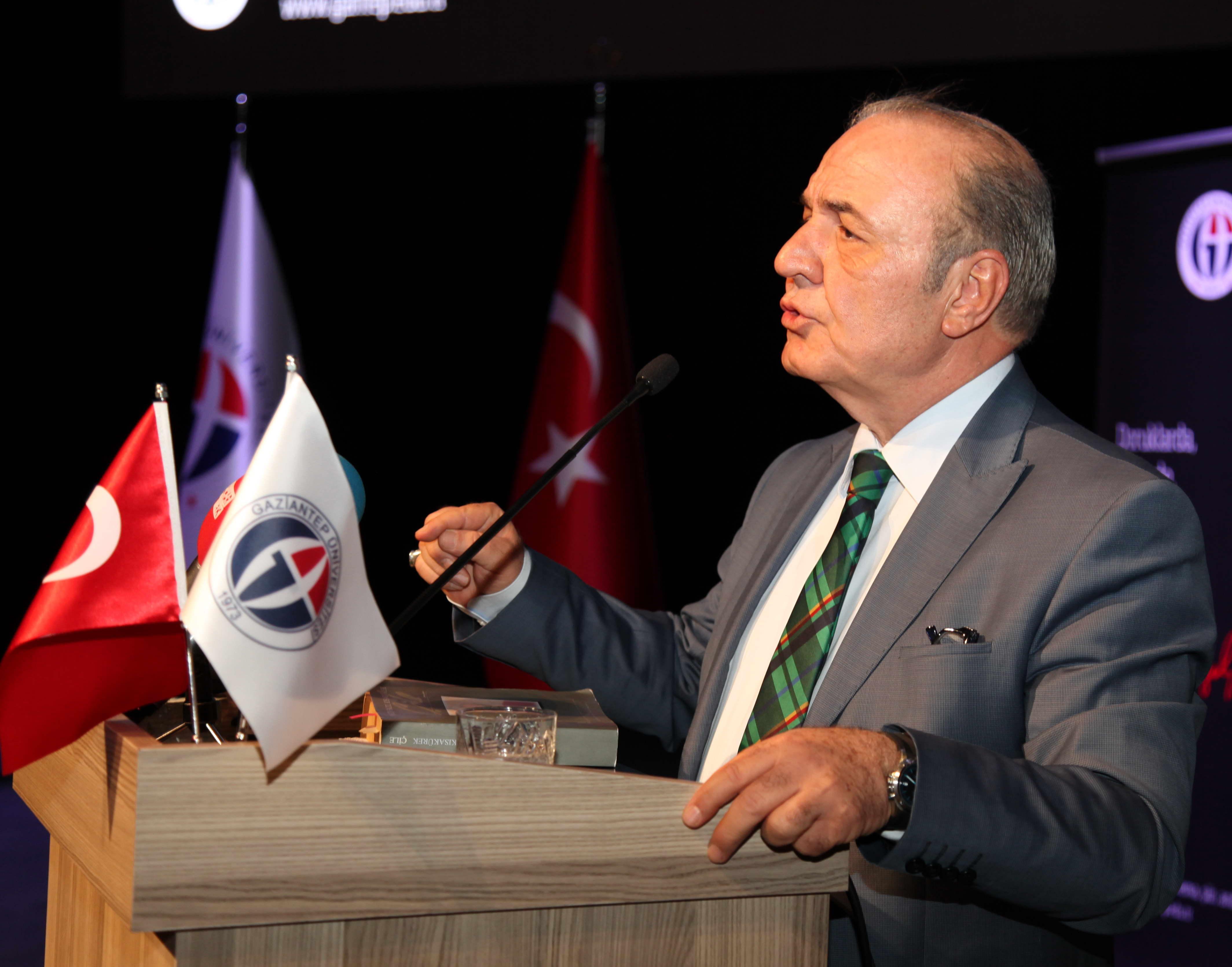 Gaziantep Üniversitesi'nde Necip Fazıl günleri (3)