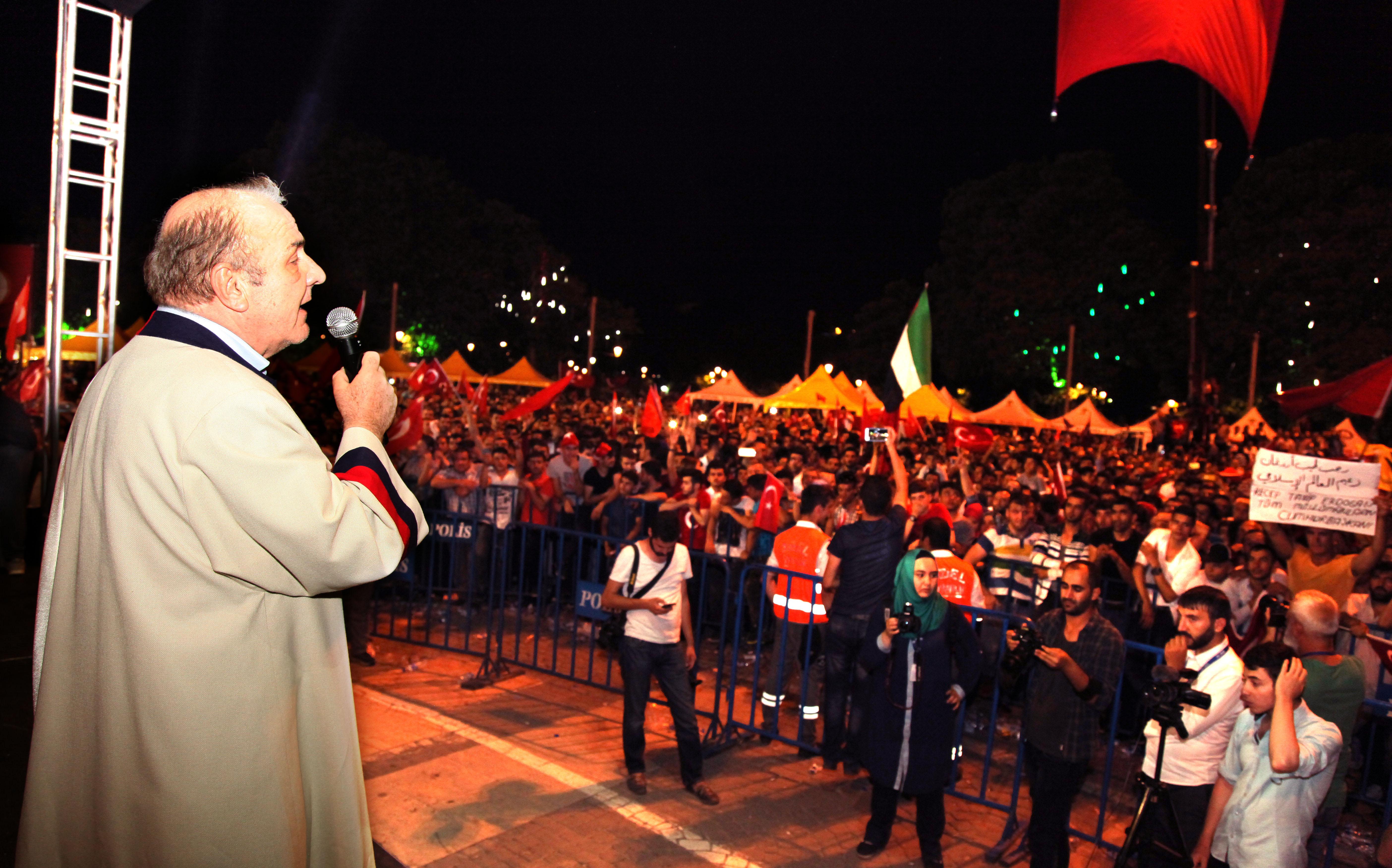 Gaziantep Üniversitesi Senatosu Demokrasi Nöbeti için Demokrasi Meydanı'na gitti -  (6)