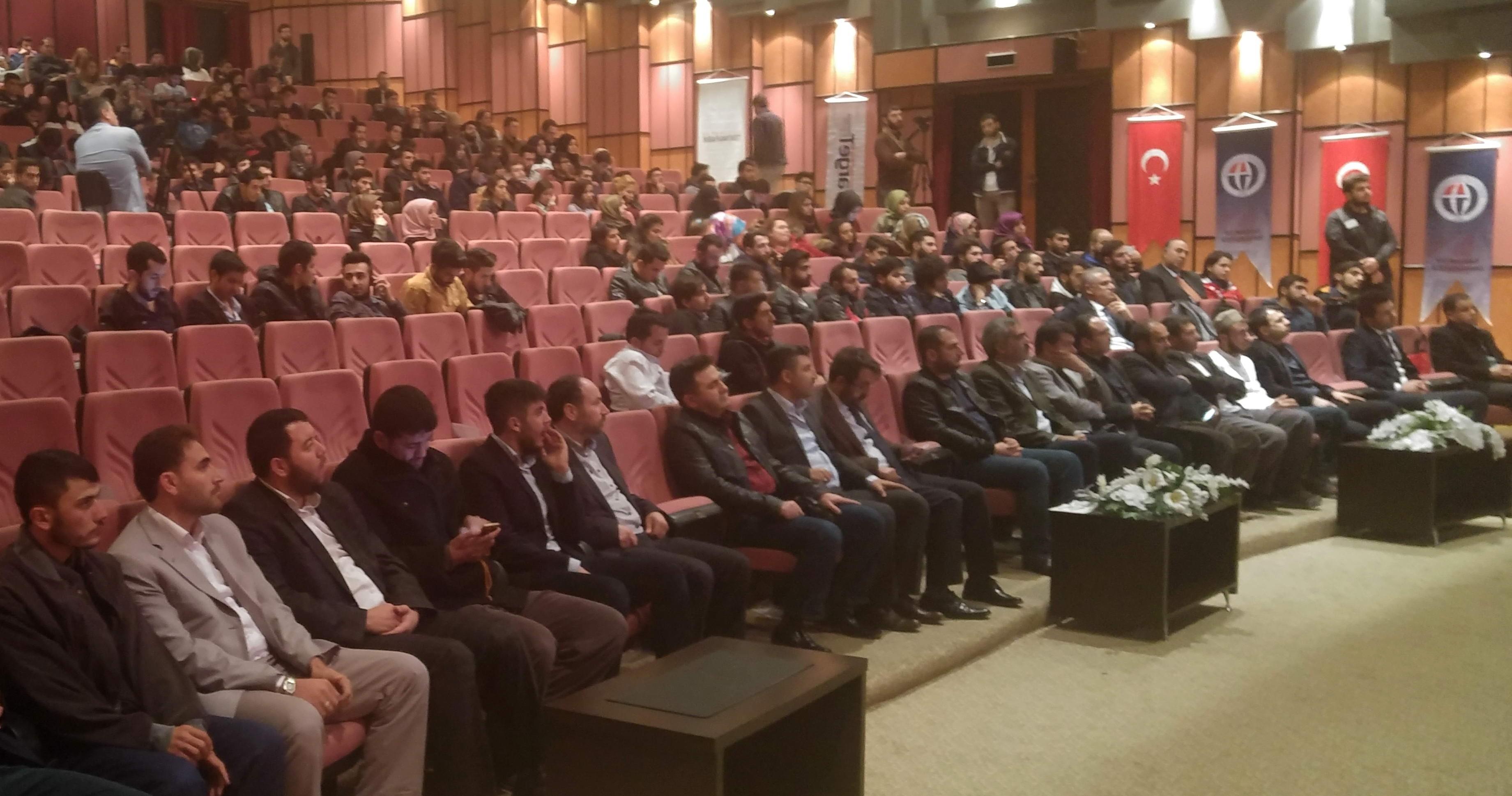 """Eğitimci-Yazar Turan'dan """"21. Yüzyılda Adalet Anlayışı ve Hz. Ömer"""" Konferansı-"""