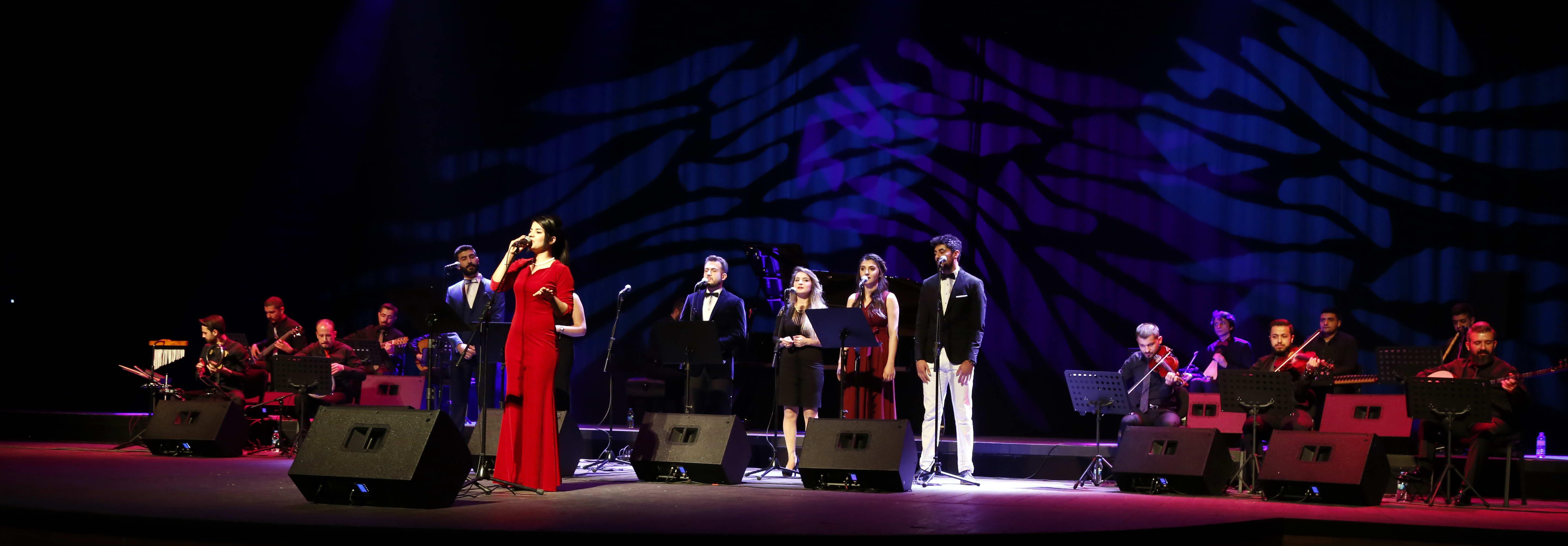 En sevilen Türk Sanat Müziği Şarkıları GAÜN'de Söylendi -  (1)