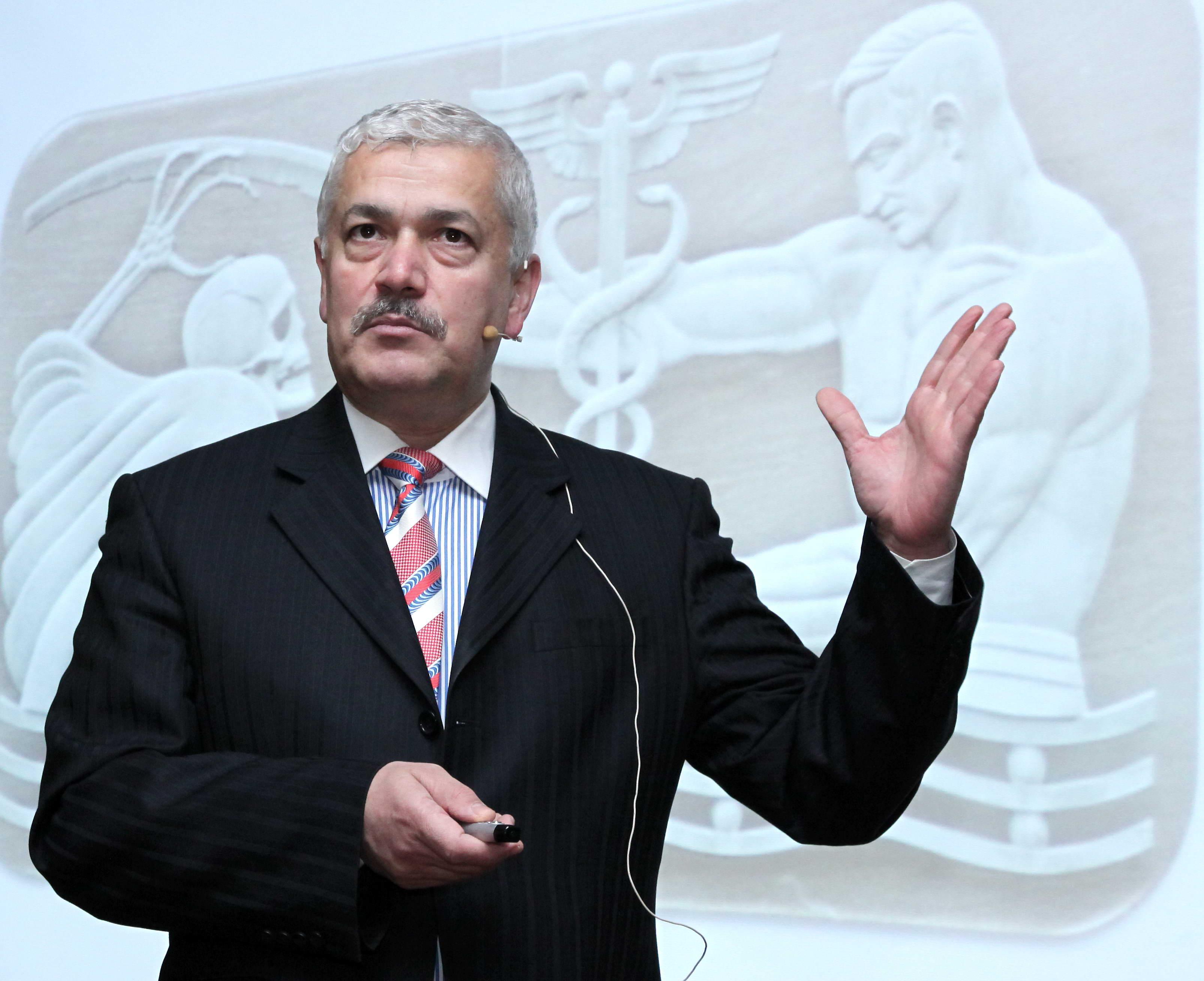 Prof. Dr. Cesur'dan Hekimlik Gözüyle Kader Konferansı -  (1)