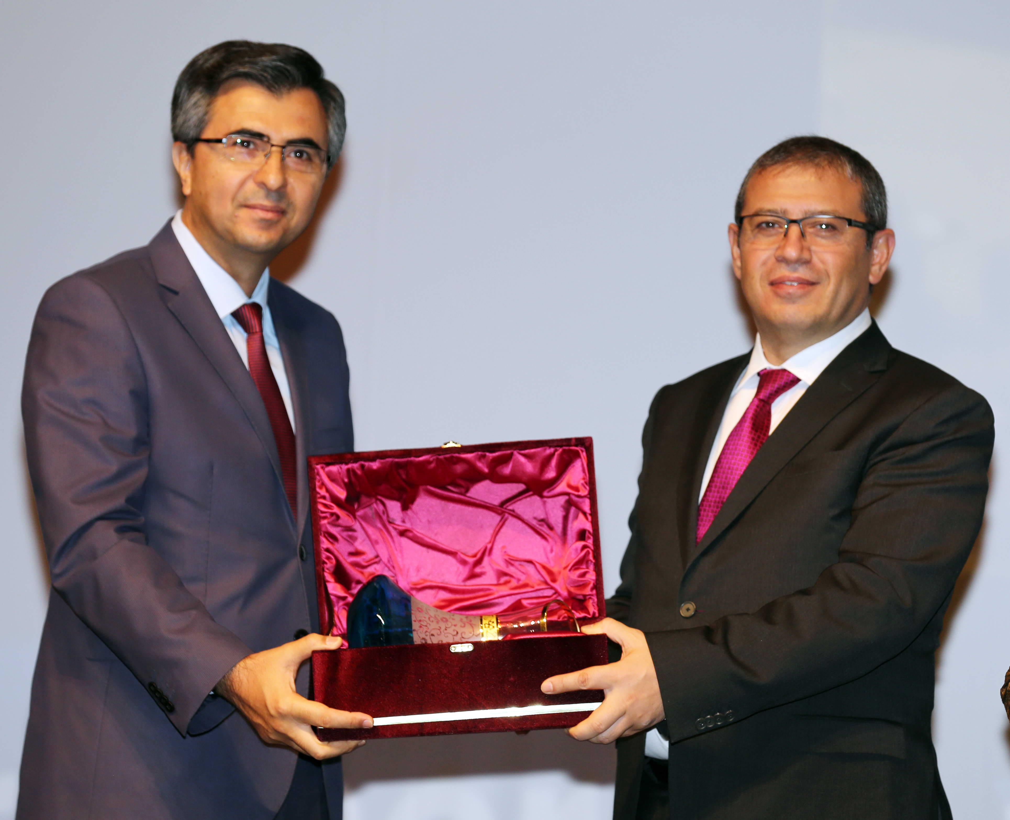 GAÜN'DE 2. ULUSLARARASI ENERJİ VE MÜHENDİSLİK KONFERANSI -  (3)