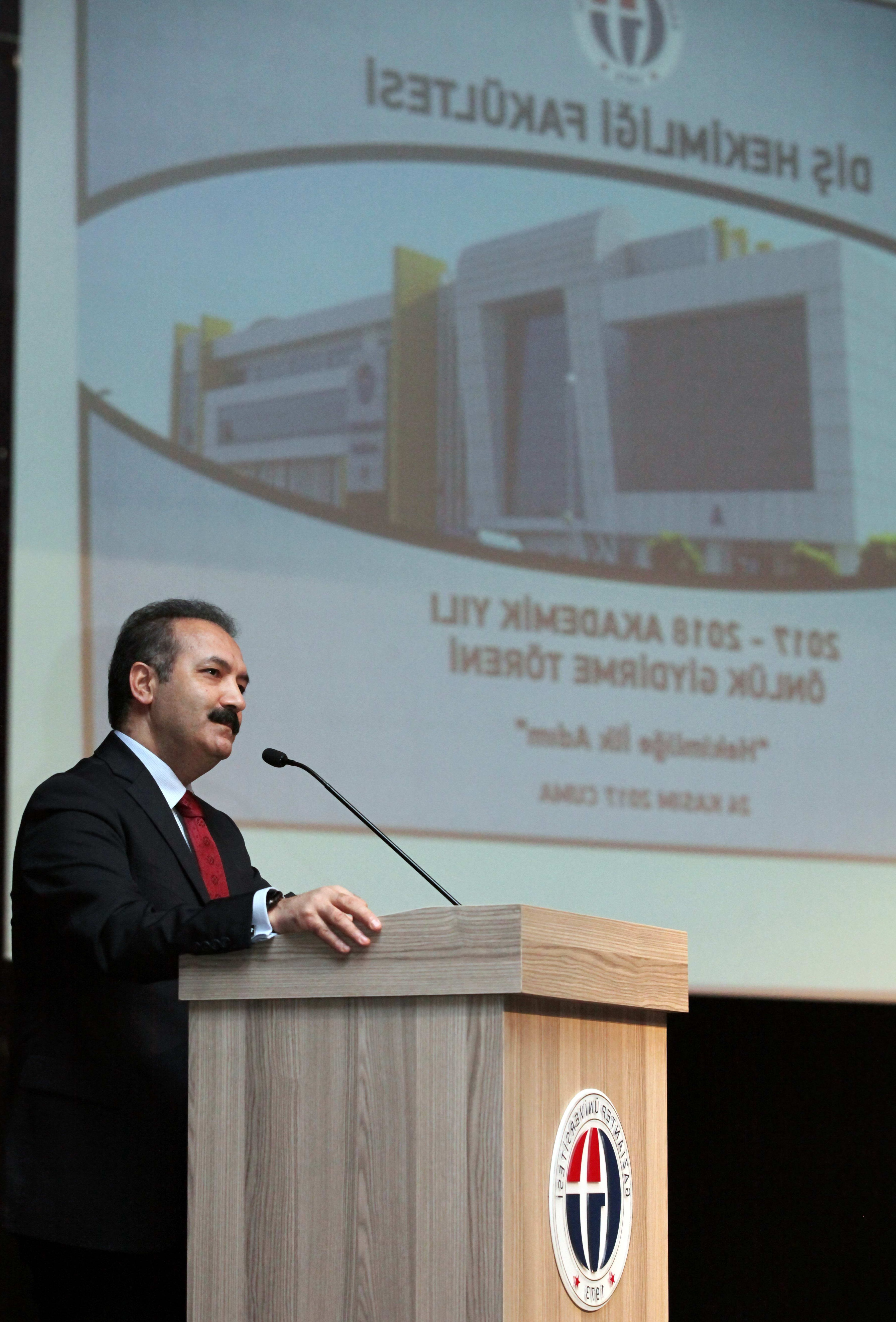 GAÜN'DE 74 ÖĞRENCİ BEYAZ ÖNLÜK GİYDİ -  (Prof.Dr.Ali GÜR)