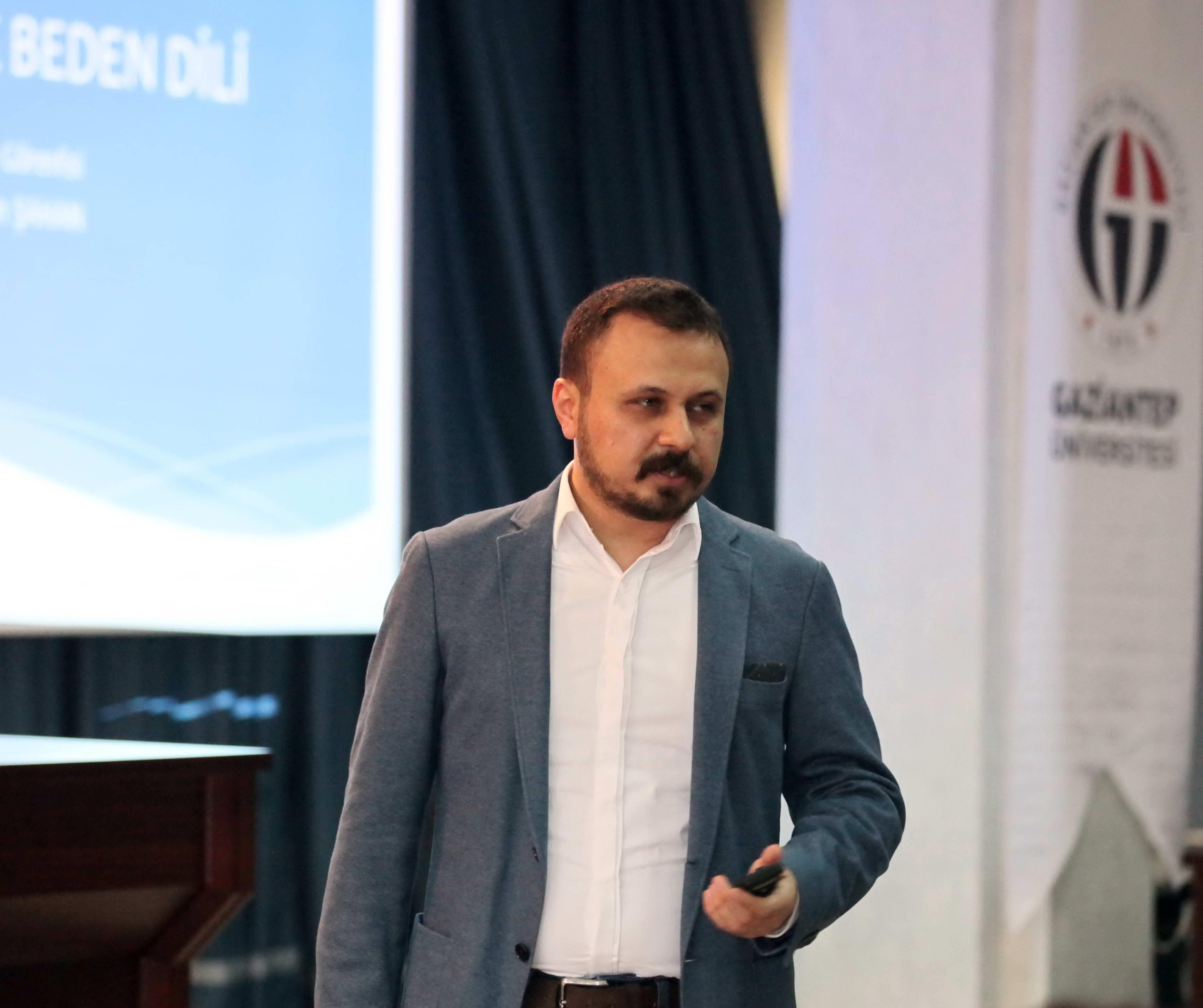 GAÜN'de ''Etkili İletişim ve Beden Dili Semineri Verildi -  (1)