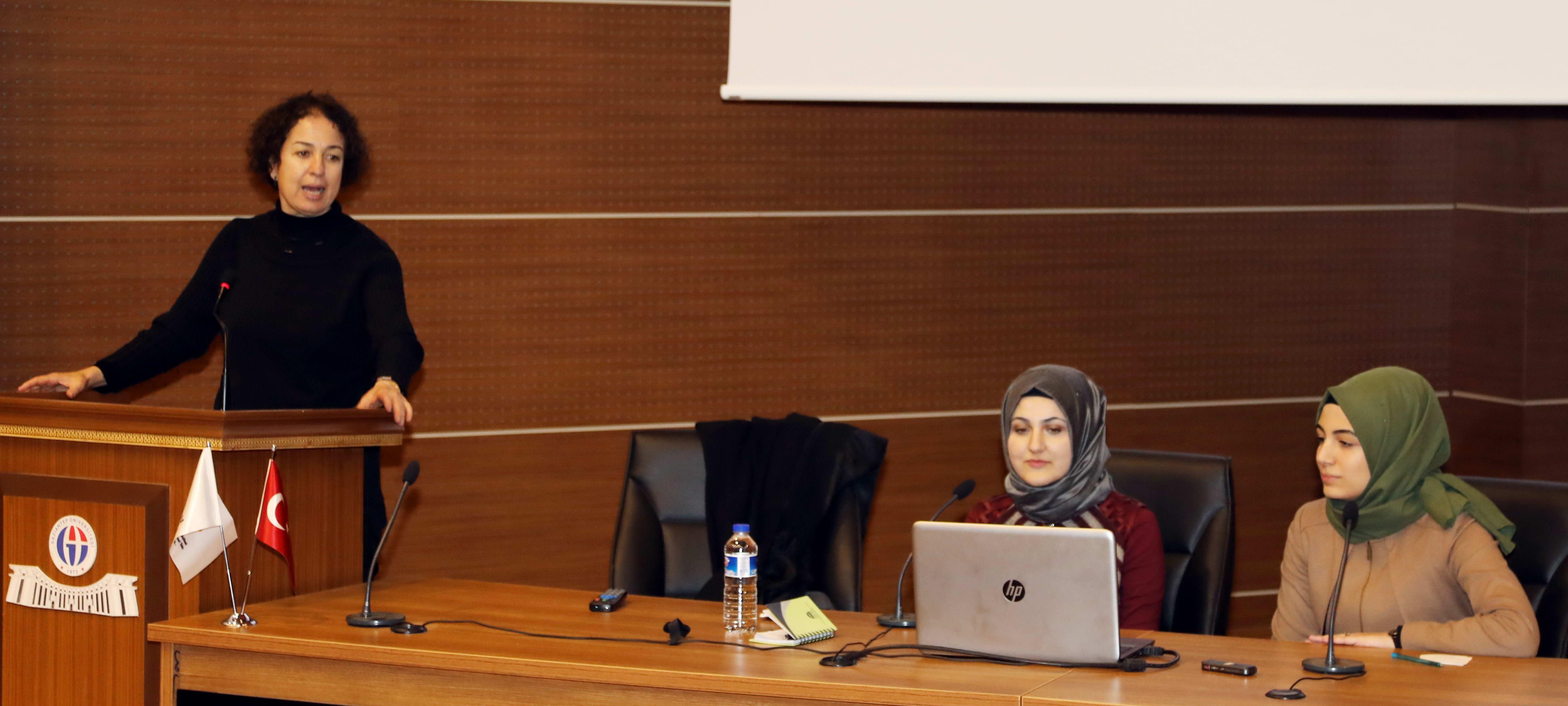 GAÜN Rektör Yardımcısı Prof. Dr. Demir_Mutlaka yurt dışına gidip bir tecrübe edinin -  (1)