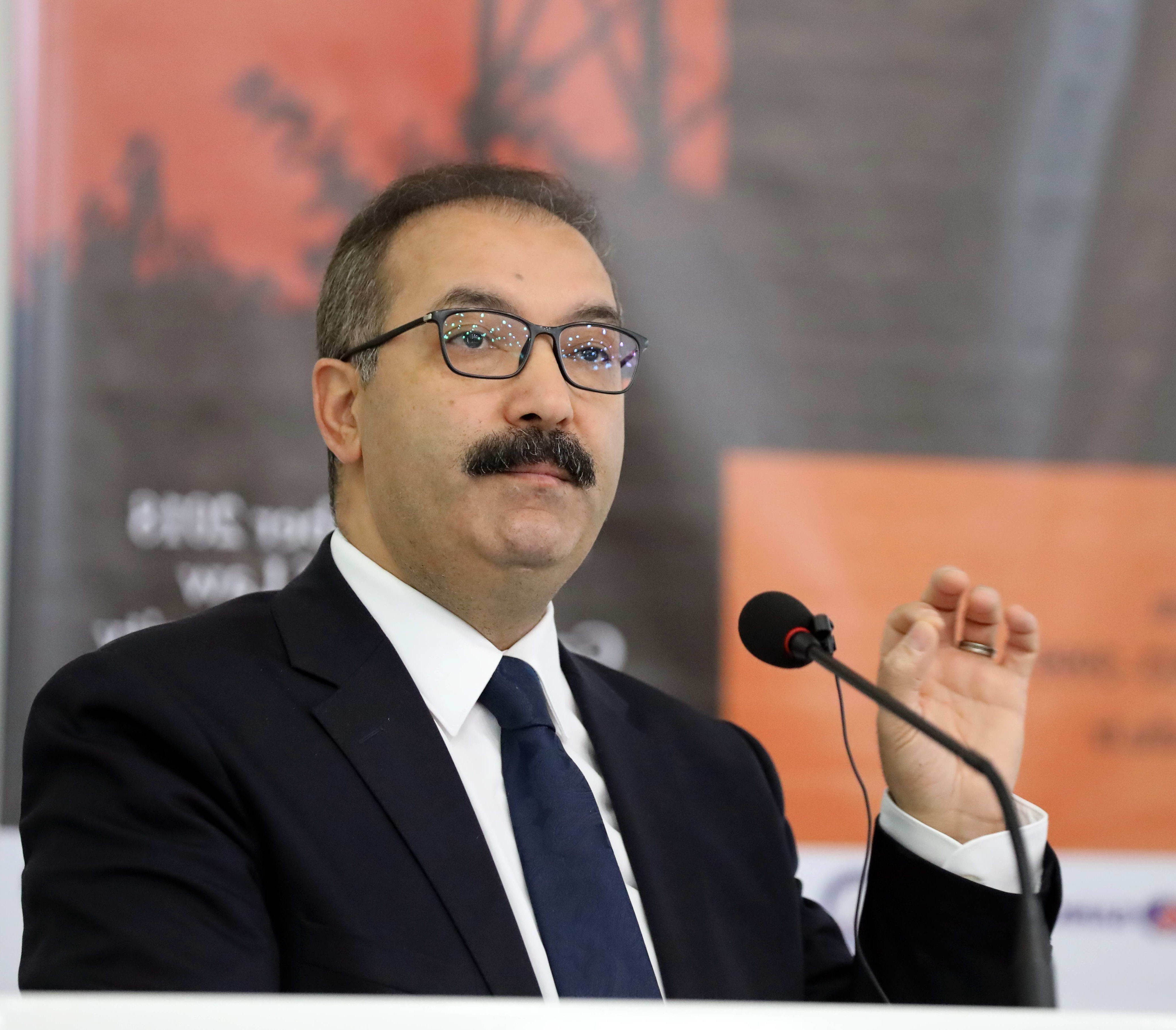 Prof. Dr. Ali Gür -  (3)