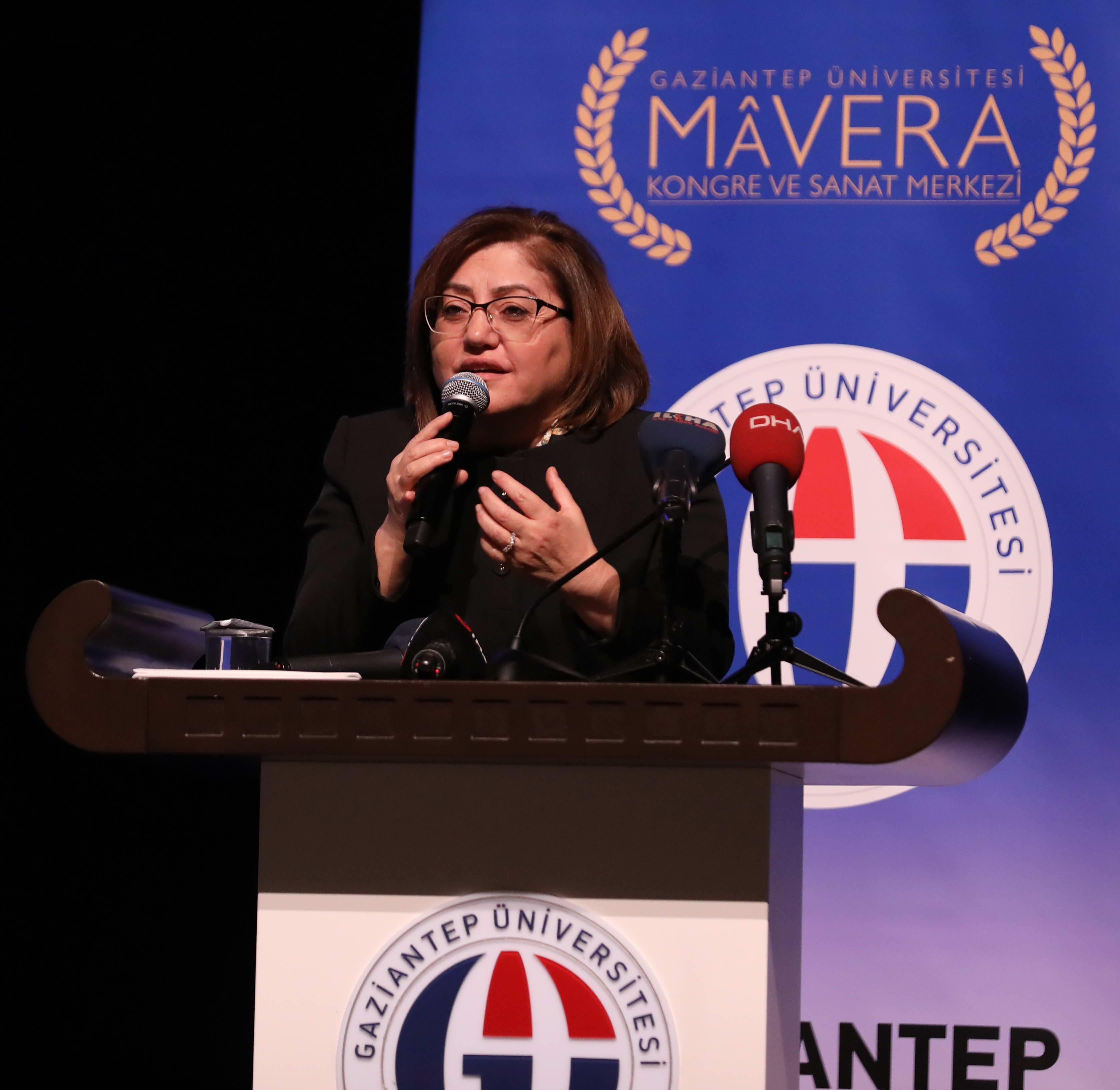 GAÜN'de Sünnetin Aktüel Değeri tartışıldı - Fatma Şahin