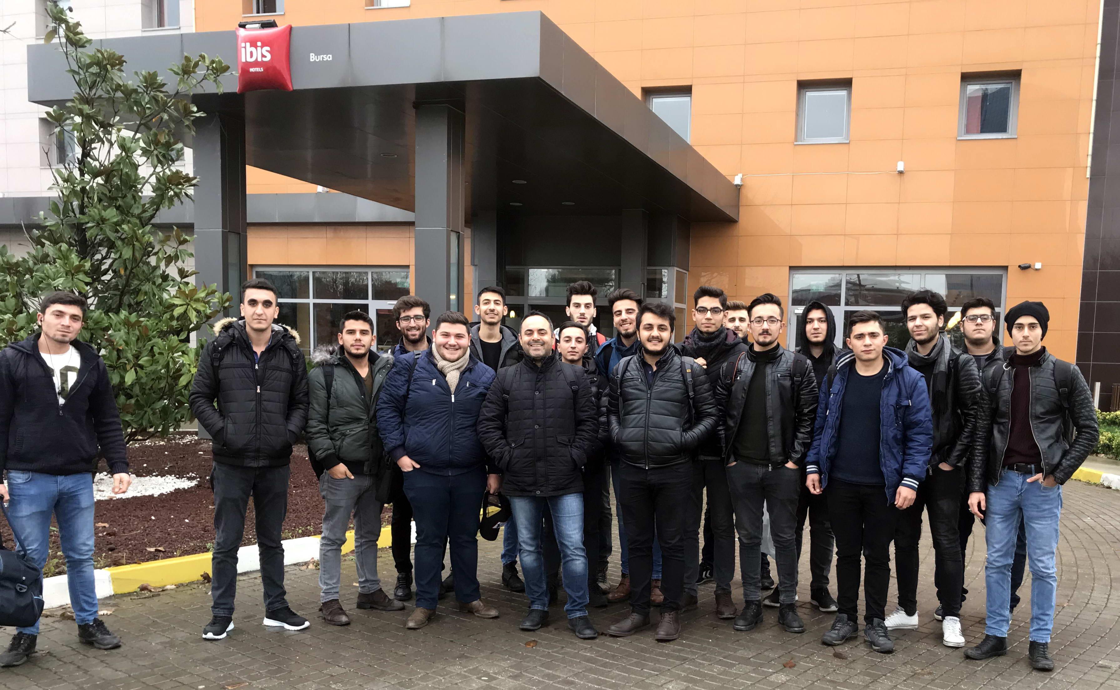 Naci Topçuoğlu Meslek Yüksekokulu Öğrencilerinden Bursa Fuarına Teknik Gezi -  (2)