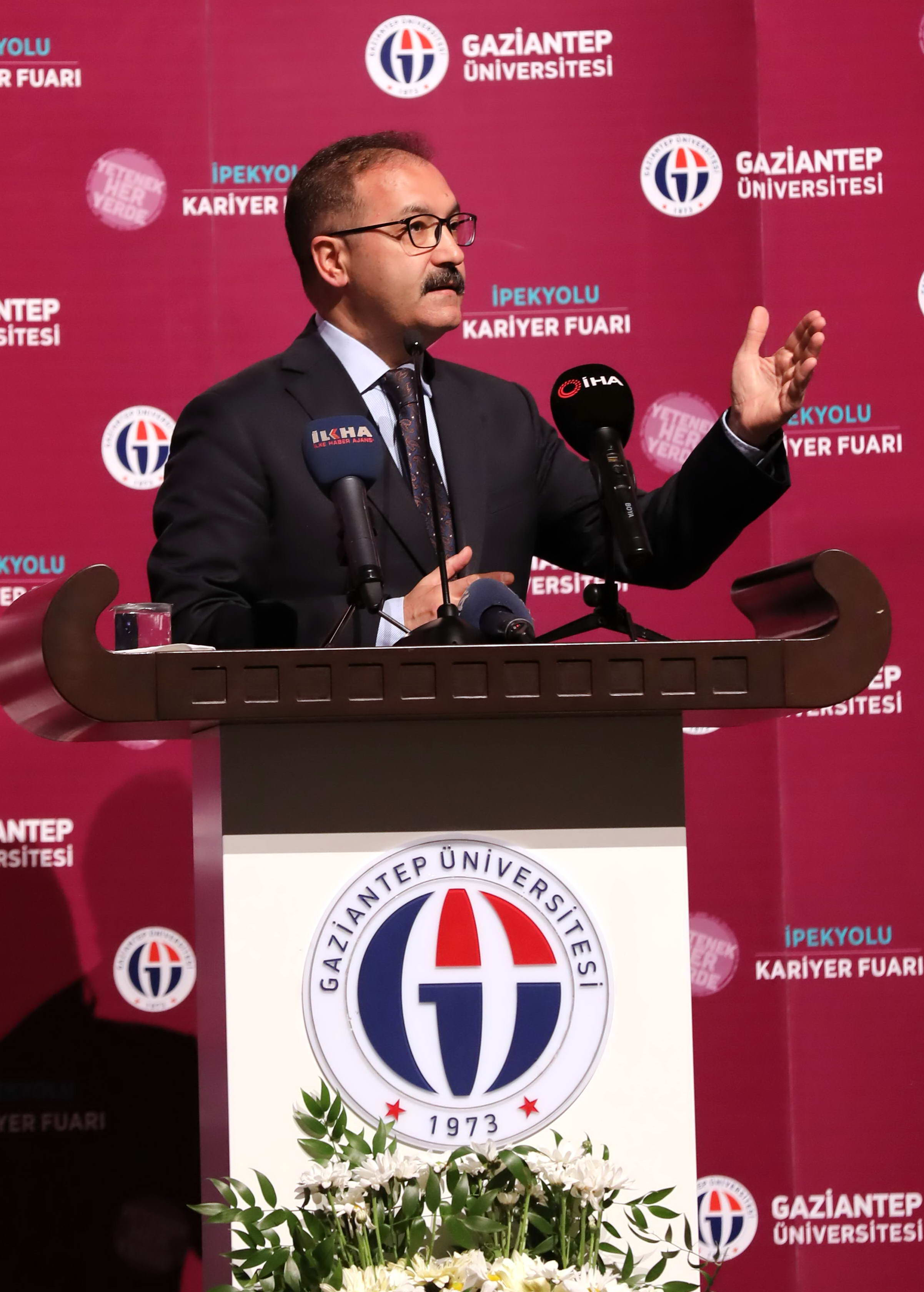 GAÜN'DE BÖLGENİN EN BÜYÜK KARİYER FUARI -  (Prof.Dr.Ali Gür)