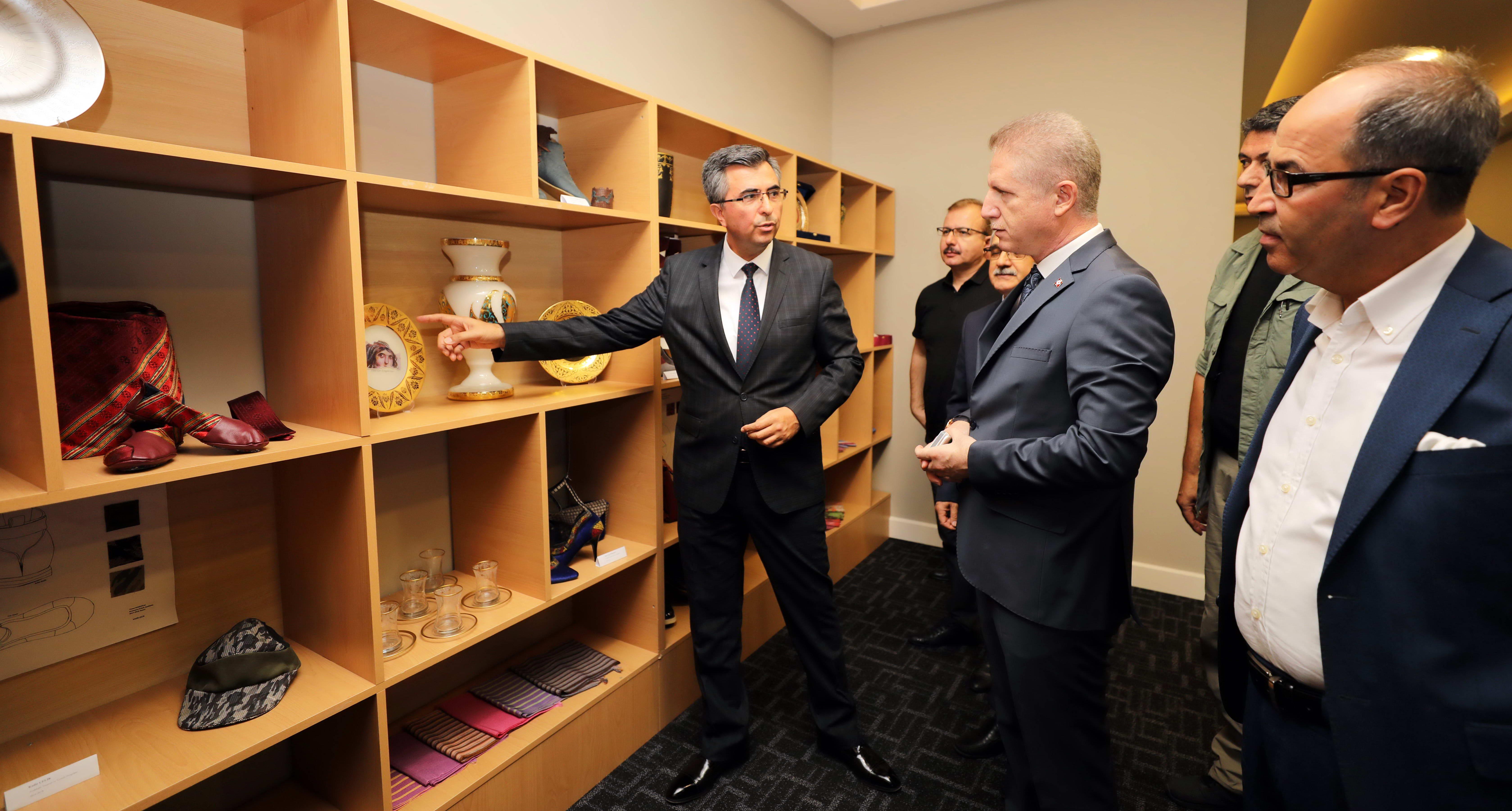 Naci Topçuoğlu MYO parmakla gösterilen bir eğitim kurumu -  (4)